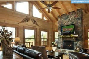 Charming Cabin with Spectacular Mountain Views in Nantahala National Forest