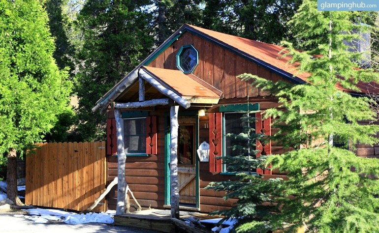 Honeymoon cabin with hot tub near lake arrowhead california for Jackson hole wyoming honeymoon cabins