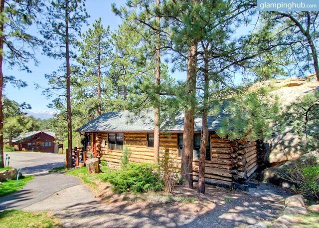 Romantic Log Cabin Near Rocky Mountain National Park Colorado
