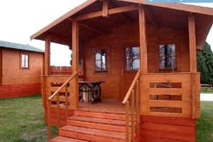 Eco-friendly Cowboy Themed Cabins in UK Countryside