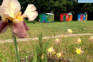 Cozy Wagons on Farmland Perfect For Retreats and Relaxation in Northern England