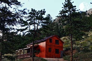 Luxury Mountain Cabin with Wraparound Porch near Fort Collins