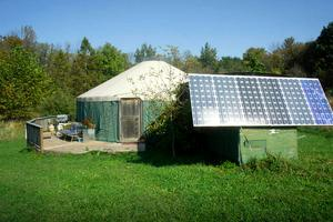 Solar-Powered Luxury Yurt on Hudson Valley Horse Farm with Hot Tub