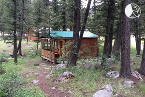 Romantic Wilderness Cabin Rental for Couples near Helena, Montana