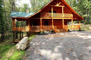 Luxuriously Equipped Lodge for Groups in Logan, Ohio
