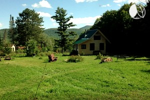 Charming Cottage Filled with Antiques in Adirondack Mountains, New York