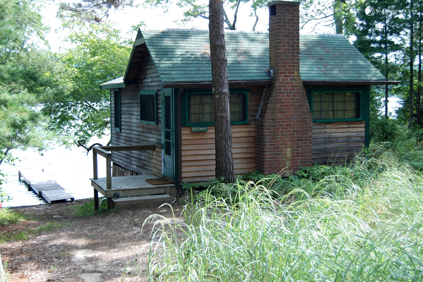 Lakefront cabin rental near boston for Lake cabins for rent in massachusetts