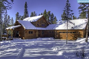 Deluxe Cabin for 12 with Two-Car Garage, Montana
