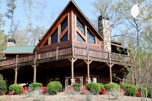 Deluxe Cabin with Game Room and Hot Tub, Georgia