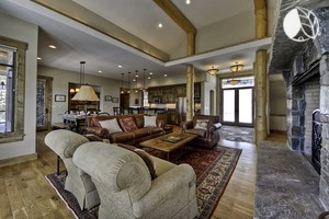 Enormous Cabin with Gourmet Kitchen near Ski Resort, Montana