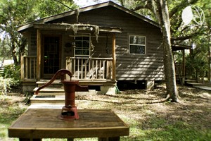 Forested Wood Cabin near Ocala National Forest in Central Florida