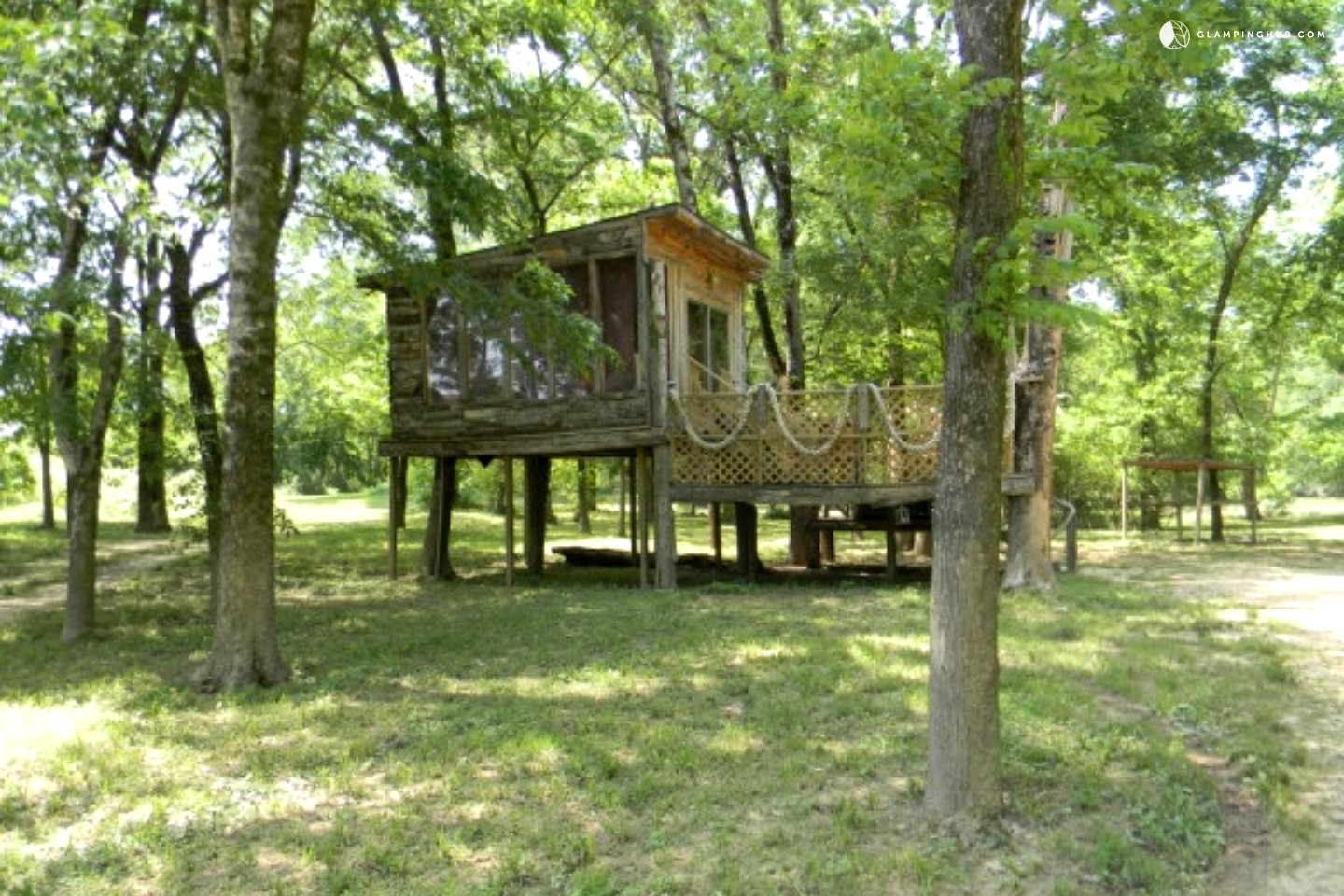 Photo of Fully Equipped Riverside Lodges with Hot Tubs, Arkansas