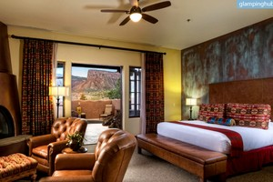 Luxury Rooms in Nature Lodge near La Sal Mountains, Colorado