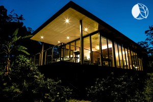 Gorgeous Glass Cabin Rentals in Bushlands of Queensland on Sunshine Coast