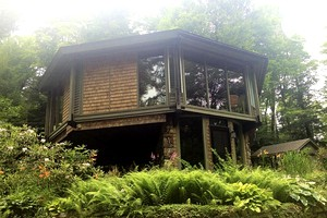 Imaginative, Secluded Tree House in the Berkshires near Great Barrington, MA