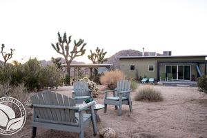 Large, Open-Spaced Cabin near Joshua Tree National Park
