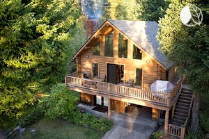 Beautifully Decorated Log Cabin Rental with Private Dock on Flathead Lake, Montana