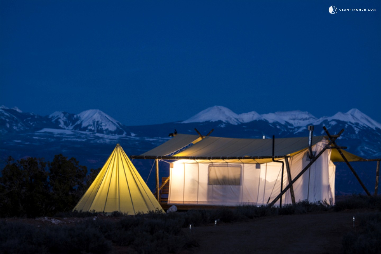 Luxury camping in moab utah luxury tent camping utah for Colorado canvas tent