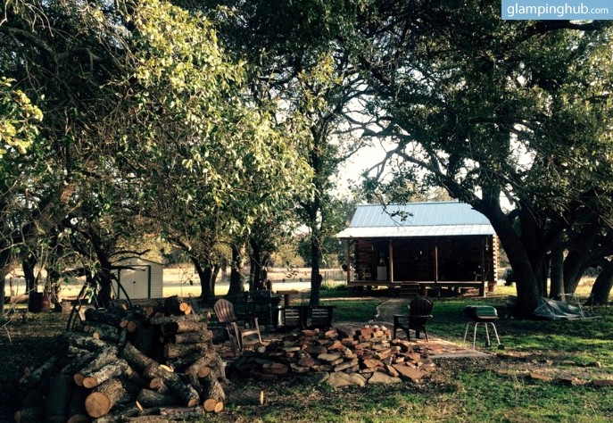 Vacation rental cabin texas hill country for Texas hill country cabin rentals