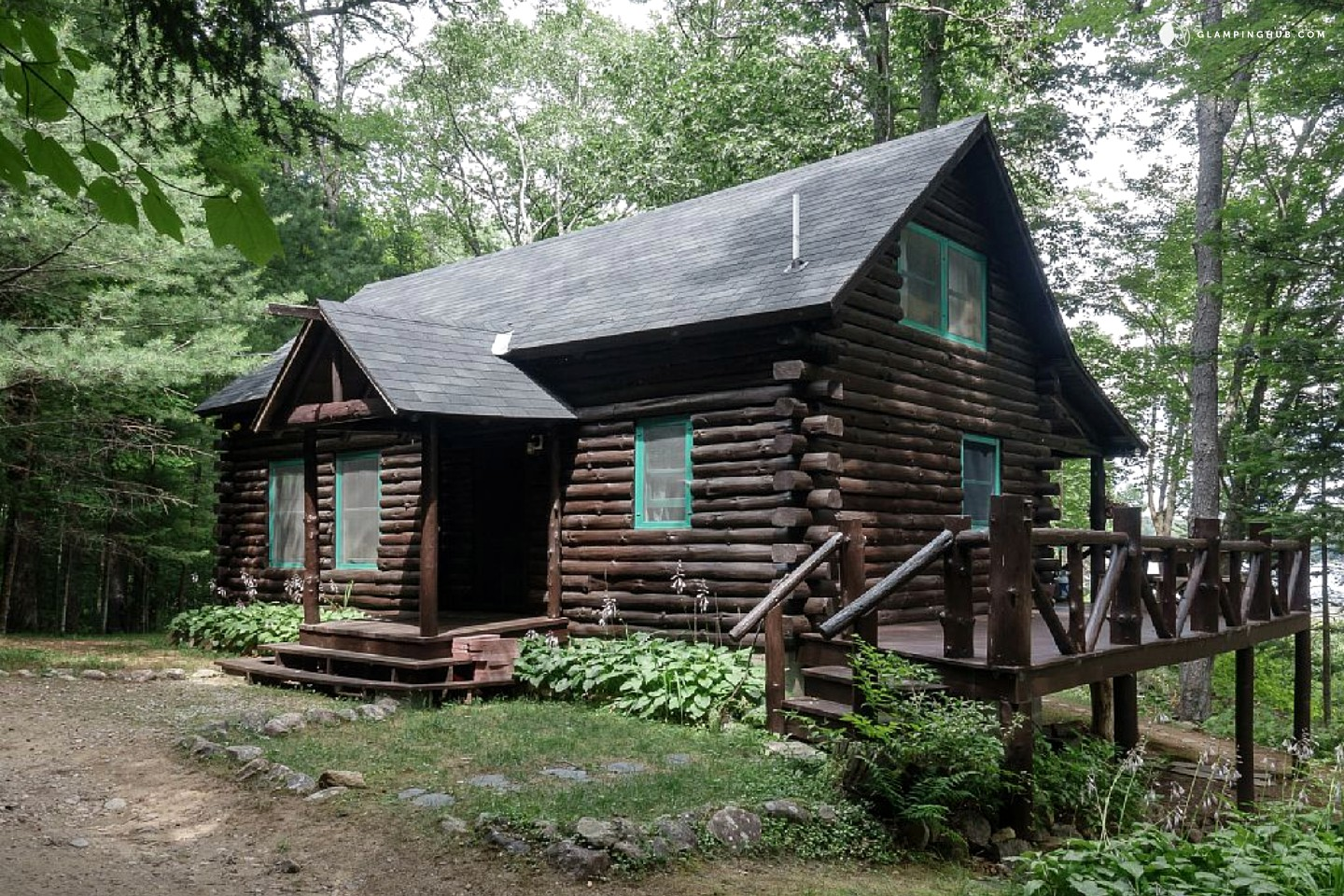 Lakefront log cabin rental in adirondack park for Chalet log homes