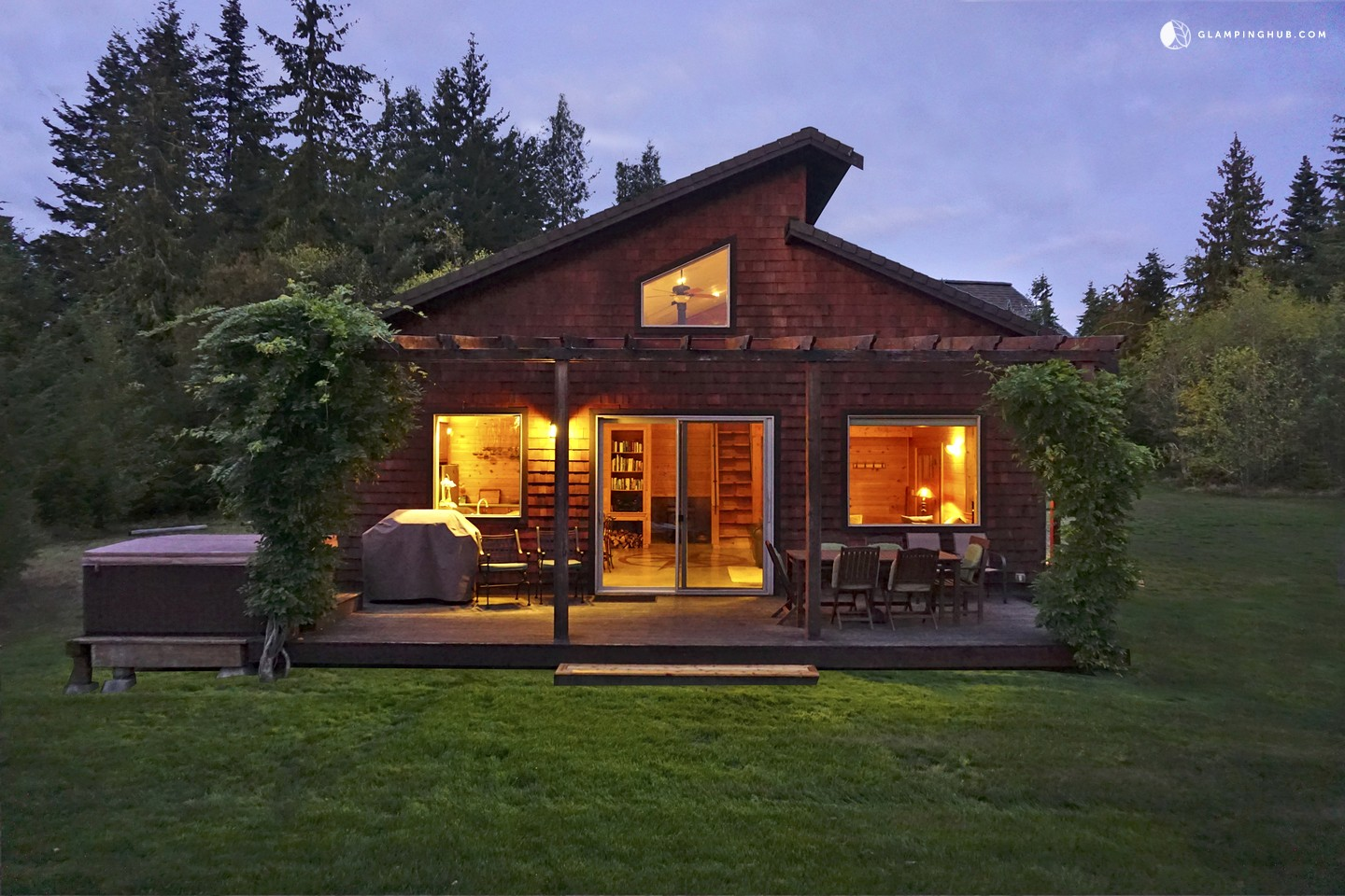 cabin rental with hot tub in port angeles washington