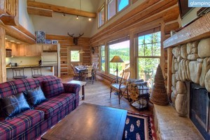 Open-Plan Ski Cabin with Two Fireplaces, Montana