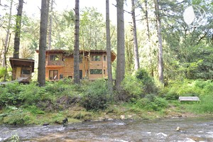 Remarkable Environmentally-Friendly Cabin in Secluded Woodlands near Pacific Ocean, Oregon