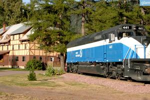 Renovated Luxury Railcars Located in Essex, Montana