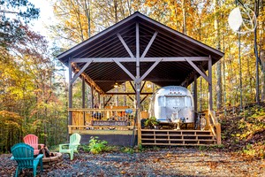 Restored Vintage Airstream near Tranquil Pond in Georgia