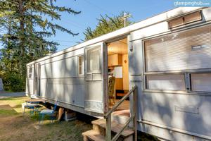 Restored Vintage Trailers Near Beach in Seaview, Washington