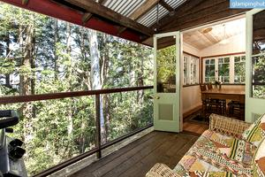 Romantic Cottage with Veranda in Rainforest, Australia