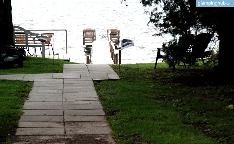Rustic cabins on lake champlain in upstate new york for Upstate new york cabin