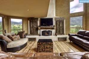 Stunning Luxury Rental with Home Theater & Tree House in Big Sky, Montana