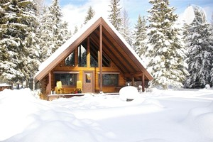 Deluxe A-Frame Cabin Rental near Skiing Resort & Glacier National Park
