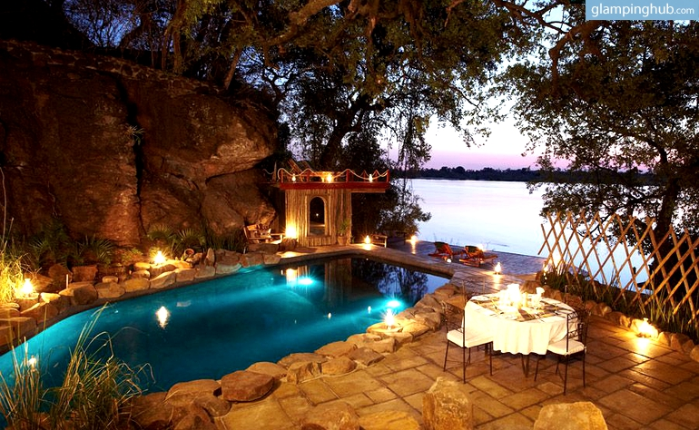 exotic safari escape along zambezi river near victoria falls zambi. Black Bedroom Furniture Sets. Home Design Ideas