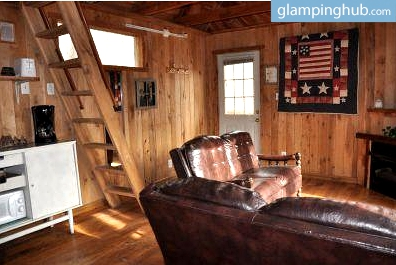 Glamping Tree House near Lexington, Kentucky