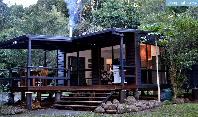 Luxury cabin camping in queensland glamping in australia for Log cabins victoria