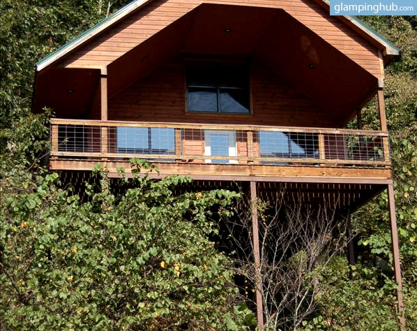 Comfy Mountain Tree House Retreat on the North Fork River, Missouri