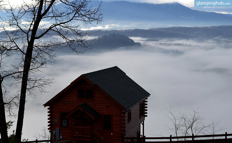Beautiful Cabin with Scenic Views over Smoky Mountains, Tennessee