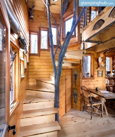 Beautiful Two-Story Tree House in the Green Mountains, Vermont