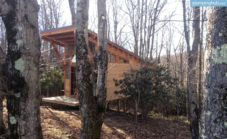 Tree house cabin north carolina for Cabin in north carolina mountains