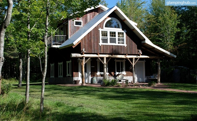 Cabin rental madeline island for Big island cabins