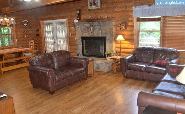 Log cabin tennessee for Cabins near downtown gatlinburg