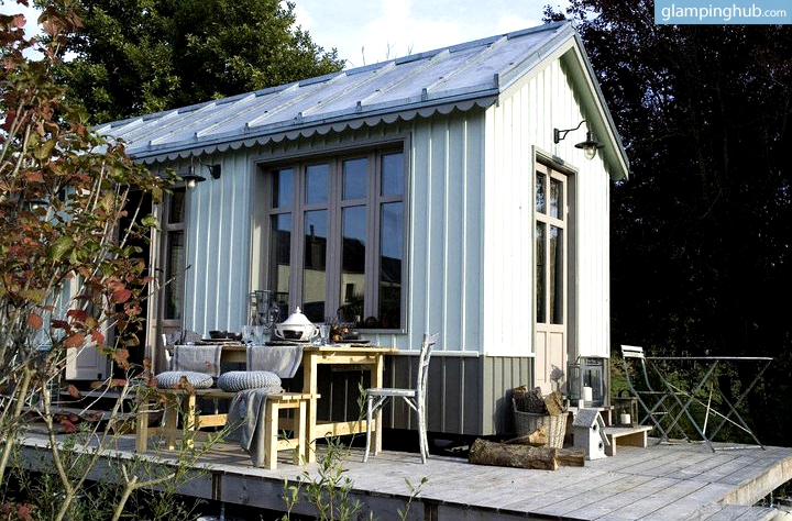 luxury cabin in french countryside glamping in france. Black Bedroom Furniture Sets. Home Design Ideas