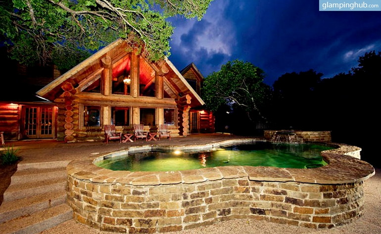 Luxury cabin rental texas hill country for Texas hill country cabin rentals