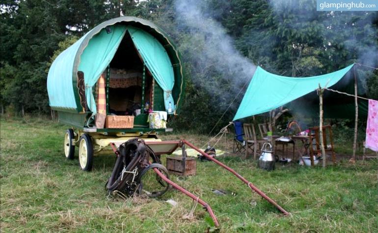 Simple Vardo Caravan Traditional Horsedrawn Gypsy Caravans Or Bow Top