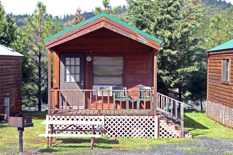 Cabin vacation rentals near yosemite national park for Yosemite valley cabins