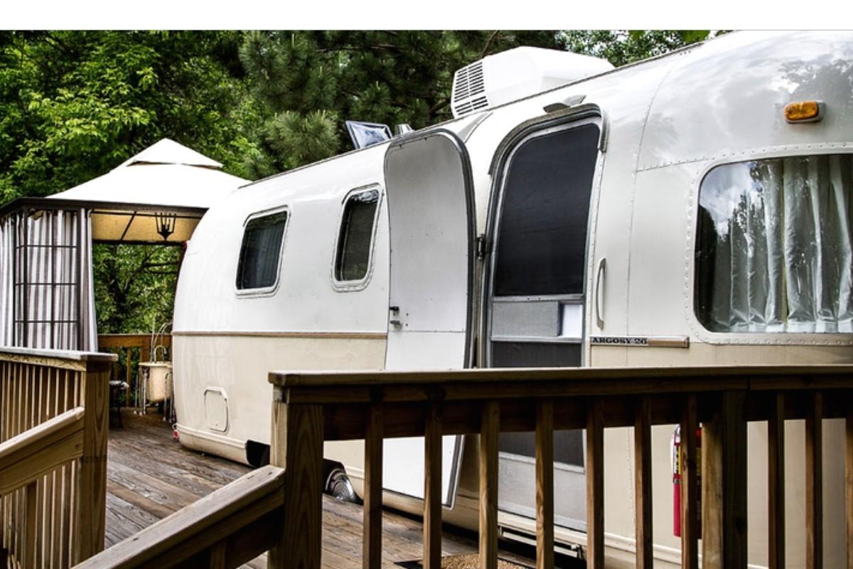 Amazing Murray River Caravan Hire  Kialla Hire Amp Transport
