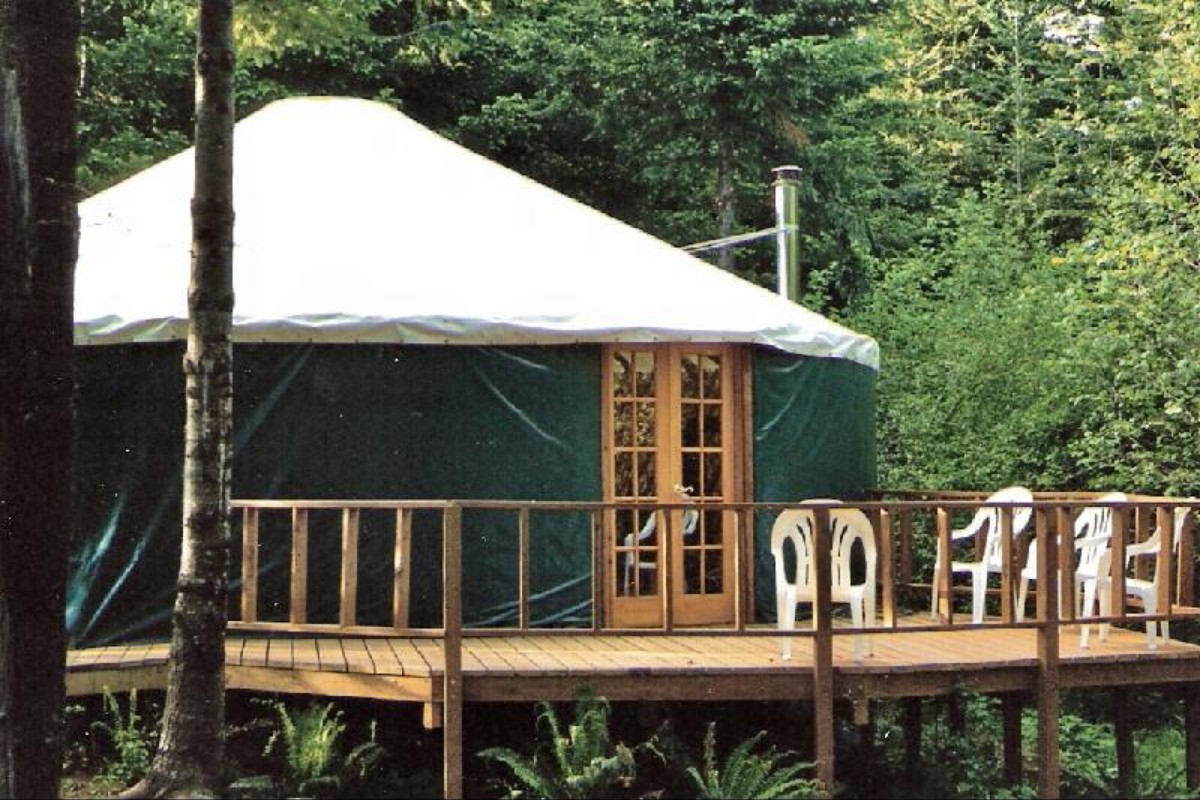 Yurt escapes for Cabins near portland oregon